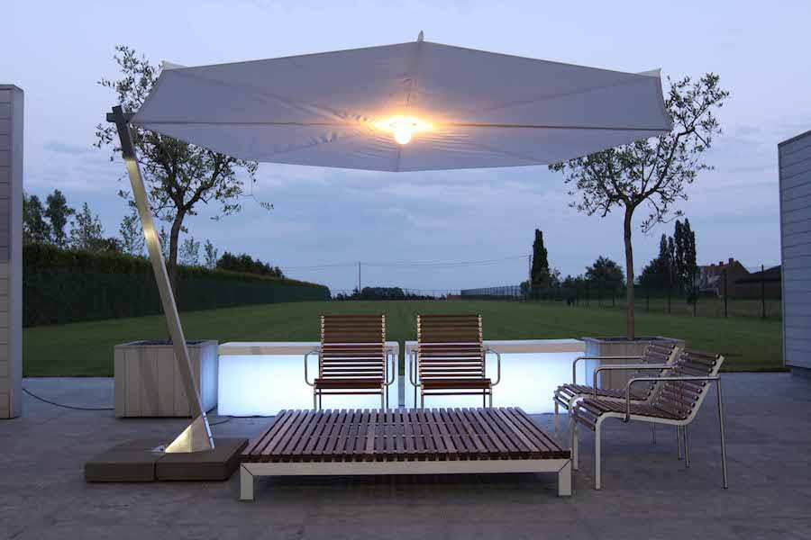 illuminated sun umbrella for patio